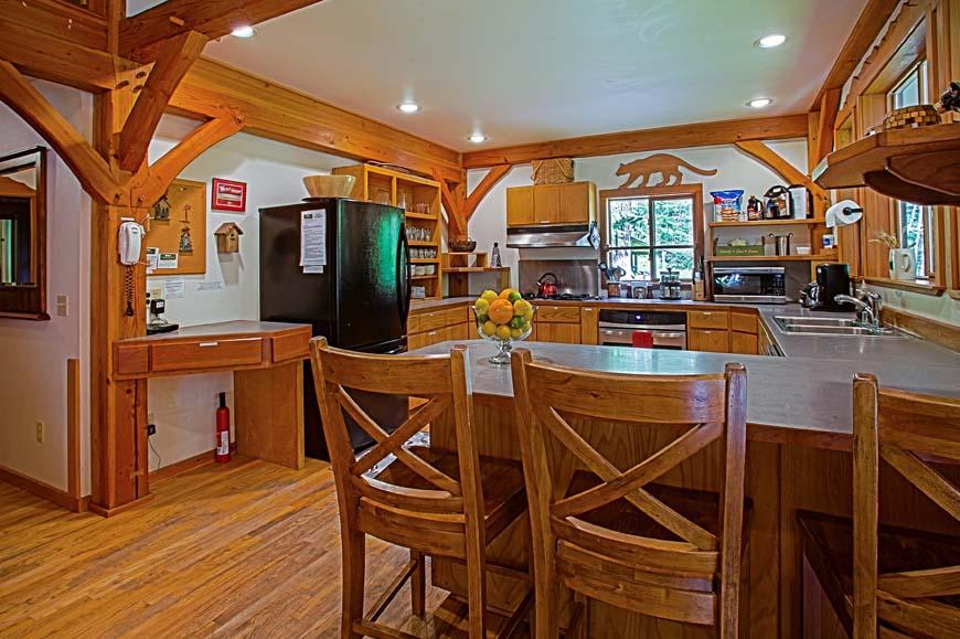 Dancing Bear Lodge dining room