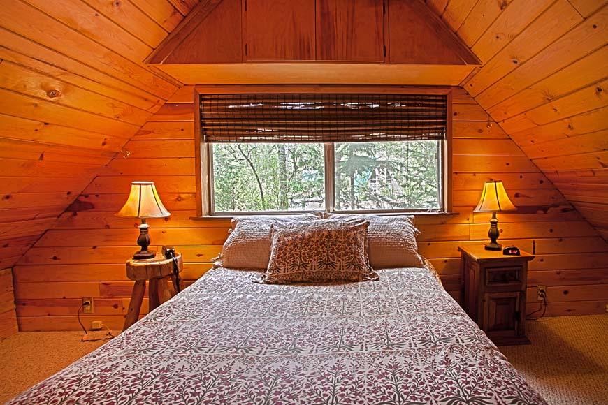 Coho Cabin bedroom