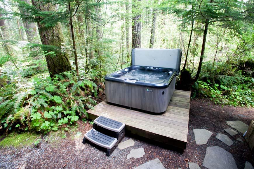 Coho Cabin hot tub