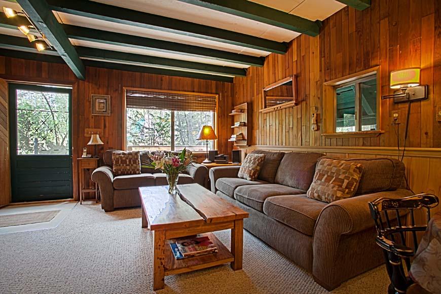 Coho Cabin living room