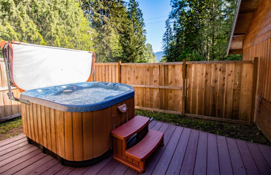 Glowing Pines hot tub