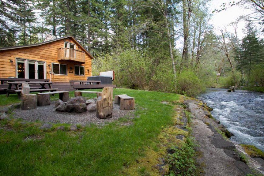 Lazy Bears Creekside Cabin At Mt Rainier Vacation Rental