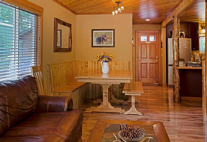 Little Bear Creekside Cabin dining room
