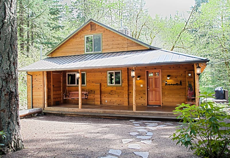 Lazy Bear Creekside Cabin