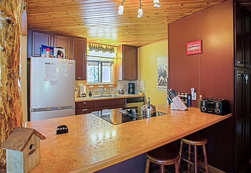 Little Bear Creekside Cabin kitchen