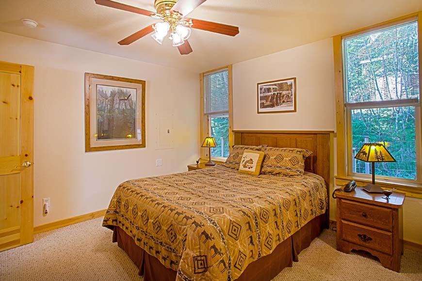 Little Bears Cabin Bedroom