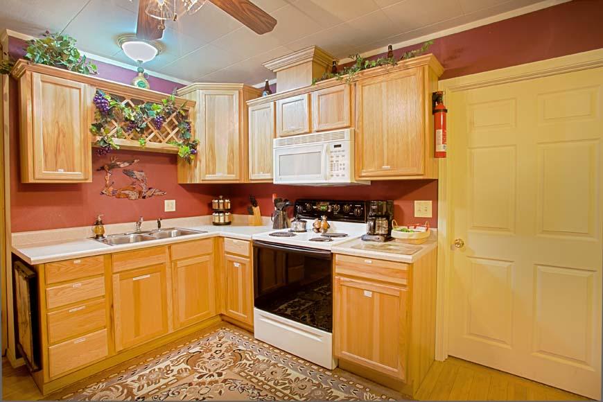 Starry Nights Cabin kitchen