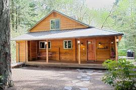 Lazy Bears Creekside Cabin